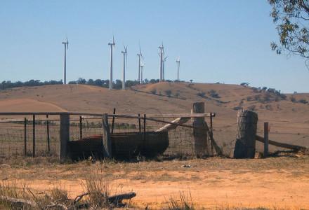 Szkodliwość ekonomiczna farm wiatrowych dla gmin i mieszkańców.