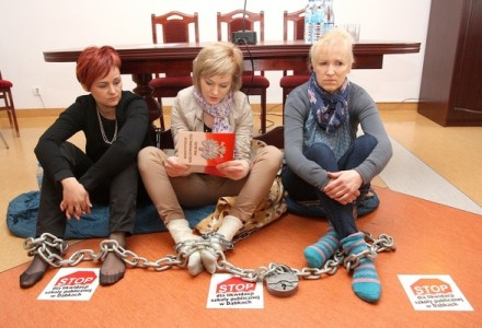 Dąbki w Gminie Darłowo <br>Matki zwyciężyły. Gmina nie zamknie szkoły!