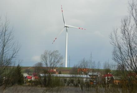 Radio Maryja: PiS chce moratorium na budowę elektrowni wiatrowych