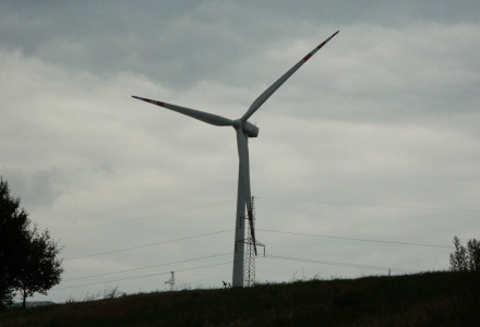 Nie tylko u nas – 500 gmin protestuje przeciwko farmom wiatrowym
