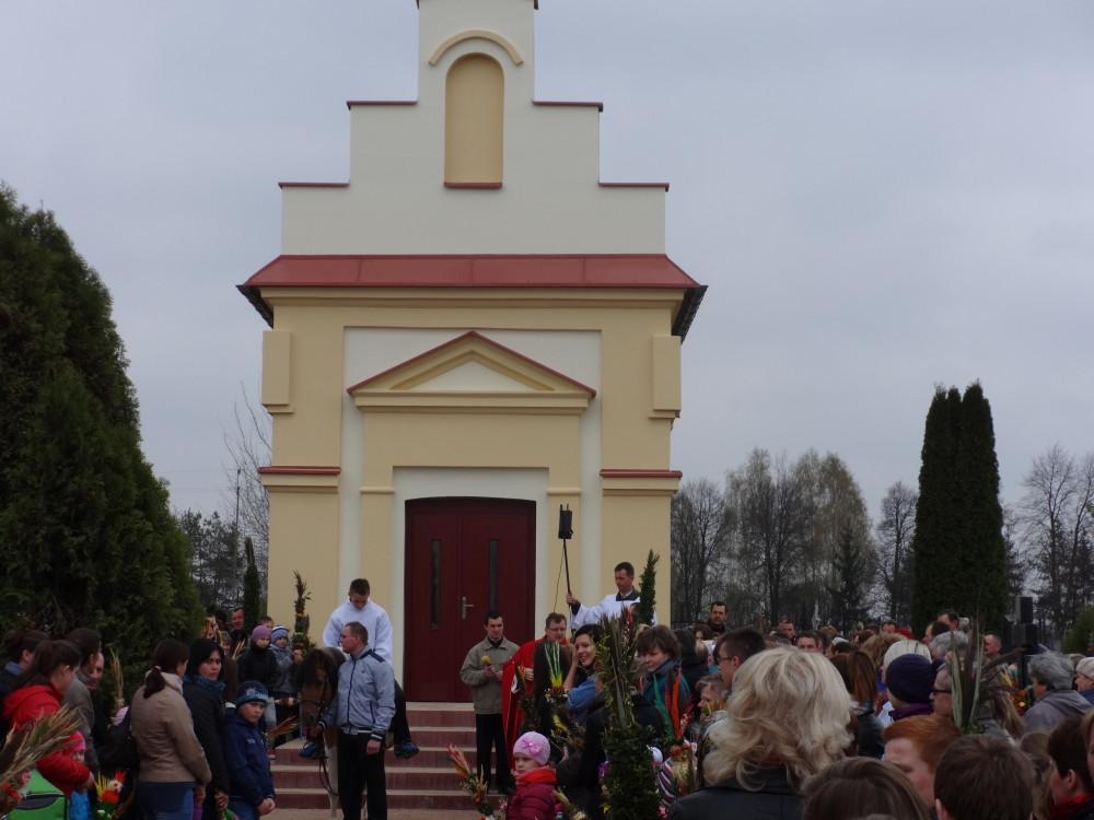 Niedziela Palmowa ; procesja z kaplicy do kościoła