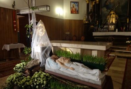 Program adoracji Pana Jezusa w Ciemnicy i przy Grobie Pańskim w Abramowie