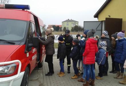 Ferie w Wolicy cz. II. Pokaz strażacki