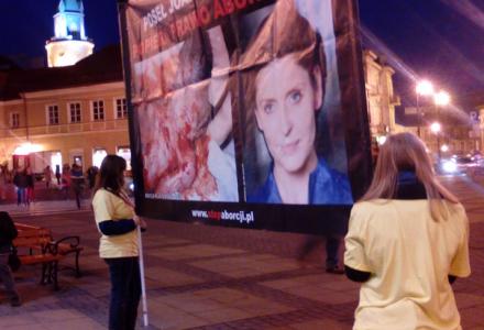 """Prawda o aborcji nazwana """"faszystowską propagandą"""" – pikieta w Lublinie"""