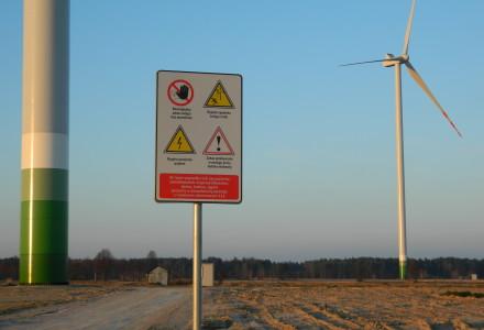 Stanowisko Narodowego Instytutu Zdrowia Publicznego – wiatraki najlepiej 2 km od domów