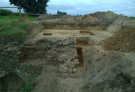 Wielkie – trwają prace wokół ruin