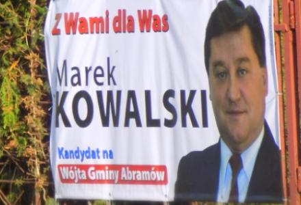 Abramów. Zmiana szyldu nie pomogła Arturowi Chomiukowi. Marek Kowalski wygrywa zdecydowanie w wyborach na wójta.